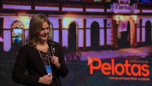 Prefeita de Pelotas, Paula Schild, questiona o atual modelo do Pacto Federativo