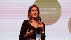 """""""É preciso inovar e fazer mais com menos"""", avisa Renata Vilhena durante o Fogesp"""
