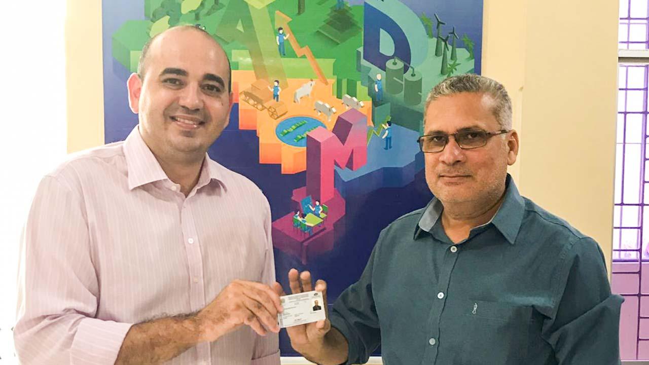 CRA-PA adota novo modelo da carteira de identidade profissional
