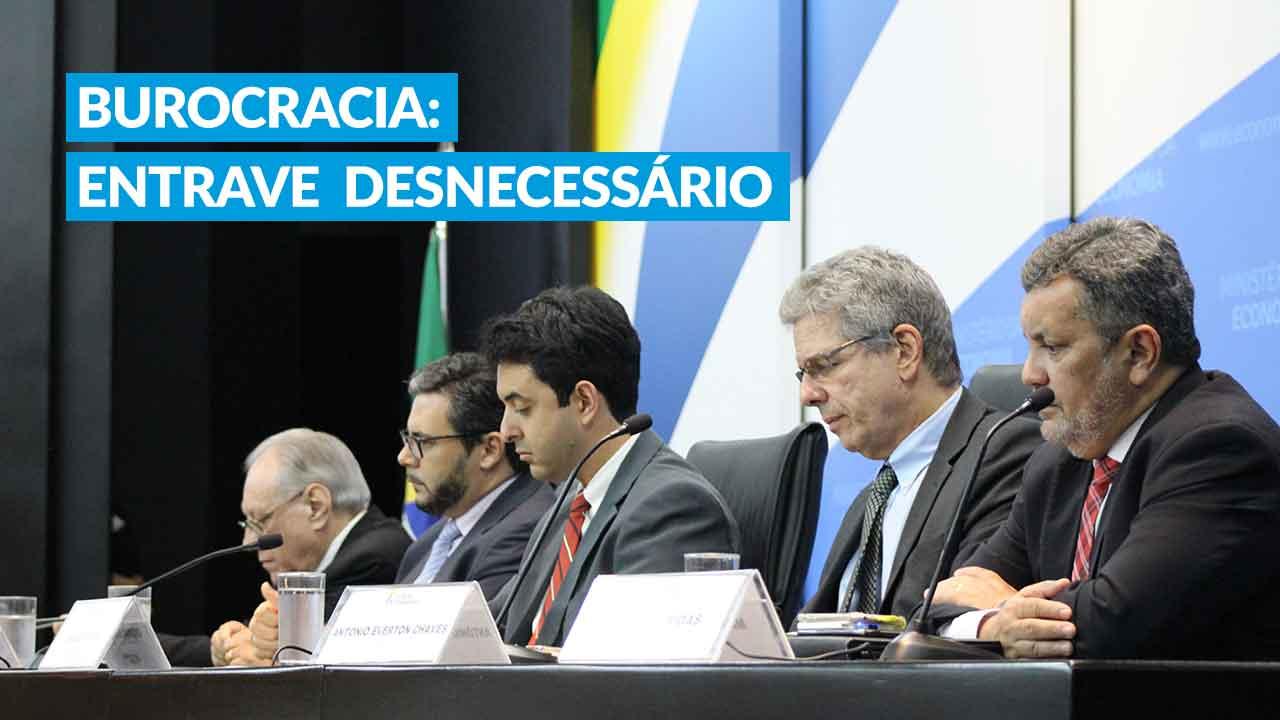 Fórum Permanente discute redução de burocracia no Brasil